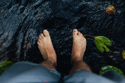 feet in stream